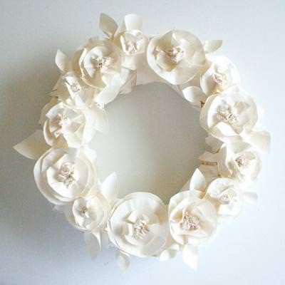 Butcher Paper Wreath {Tutorial}