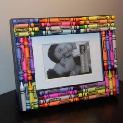 Crayon Picture Frame {Crafts for Kids}