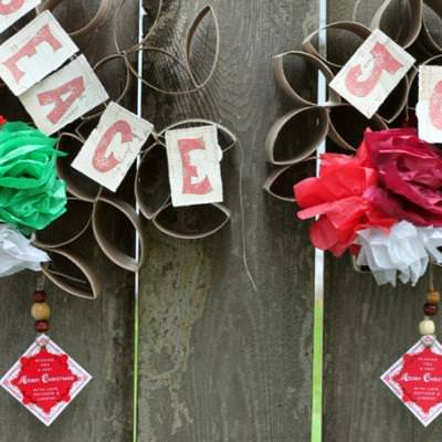 DIY Christmas Wreaths {Recycled Gifts}