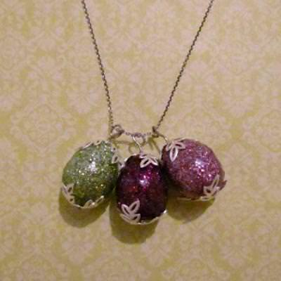 Glitter Egg Necklace {Make Jewelry}