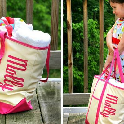 Monogrammed Beach Totes {How-To}