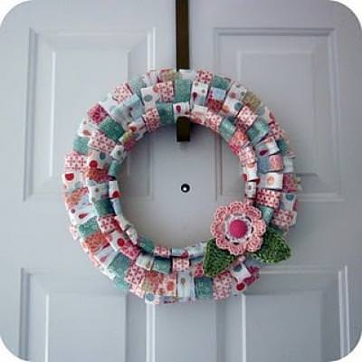 Patterned Paper Wreath {paper craft}