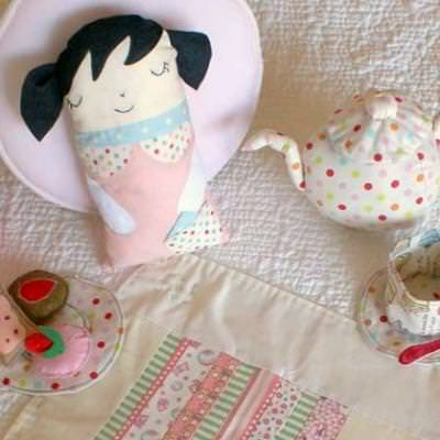 20 Patterns To Make A Doll {Sewing}
