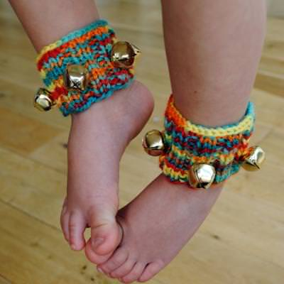 Homemade Ankle Bells {Easy Craft}