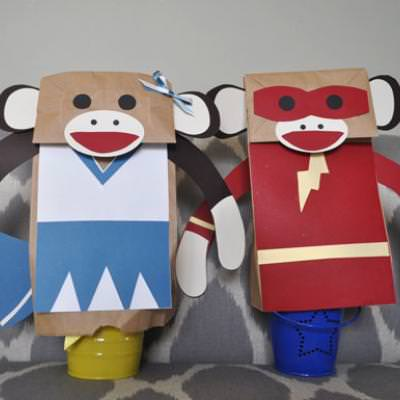 Sock Monkey Puppets {Easy Craft}