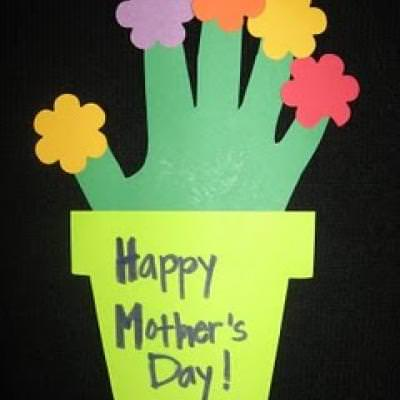 Handprint Flowerpot {Preschool Activities}