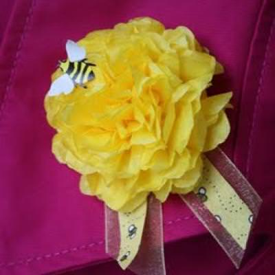 Paper Carnation Corsages {Easy Crafts}