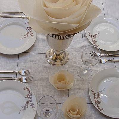 A Simple Elegant Table With Paper Roses {Table Decorations}