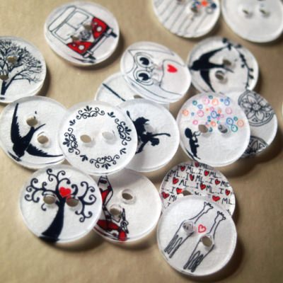 Buttons from Shrink Plastic {Scrapbooking Ideas}