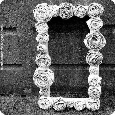 How To Make Newspaper Roses {Easy Paper Craft}