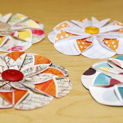 Paper Flower Tutorial {Simple Paper Crafts}