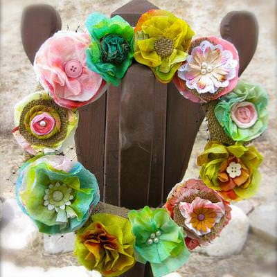 Paper Towel Spring Wreath {Crafts with Paper}