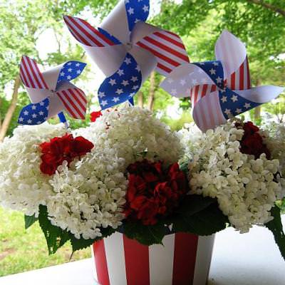 Patriotic Pinwheels {Paper Decoration}