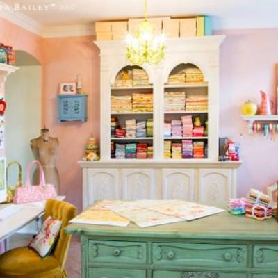 12 Beautiful Crafting Rooms {diy}