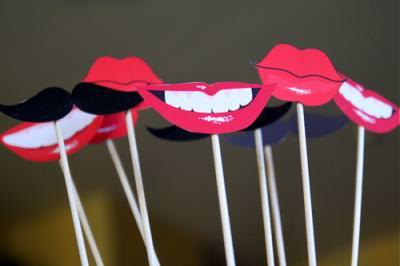 Free Printable Lips and Mustaches {diy}
