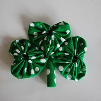 Fabric Shamrock Tutorial {St. Patrick's Day Crafts}