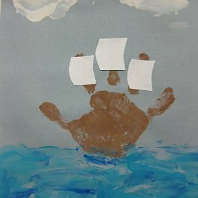 Mayflower Handprint Craft for Kids {Thanksgiving Preschool Craft}