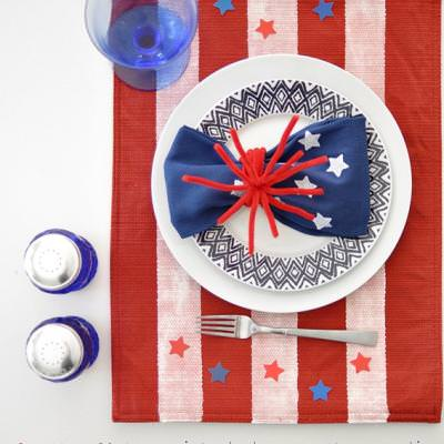 4th of July Painted Placemat and Napkin {Patriotic Tableware}