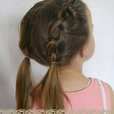 A Girly Do Hairstyle {Hairstyles}