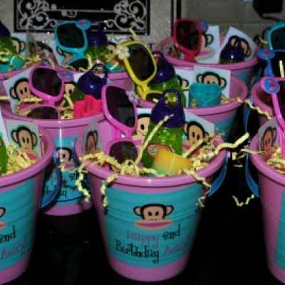 A Girly Paul Frank Party {Girl Birthday Party Themes}