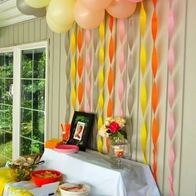 Balloon and Streaming Food Table Backdrop {Party Backdrop Ideas}