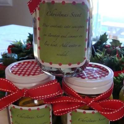 Christmas in a Jar Potpourri {At Christmas}