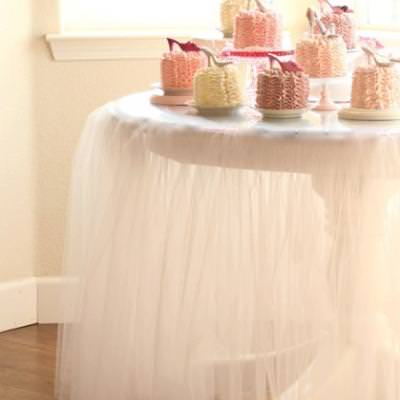 DIY Tutu Tablecloth {party decor}