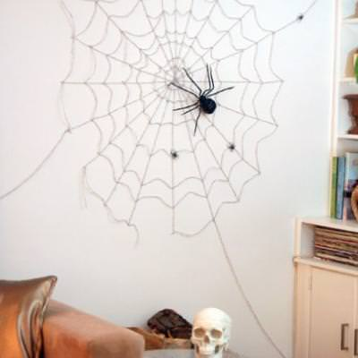 DIY Wall Spiderweb {halloween decorations to make}