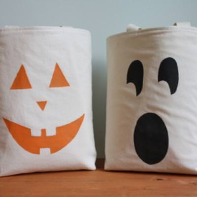 Easy To Make Trick or Treat Totes {Trick or Treating}