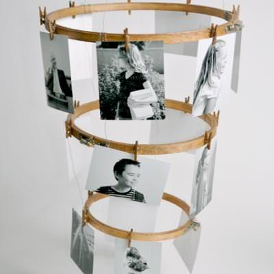 Embroidery Hoop Photo Chandelier {Photo Displays}