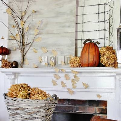 Fall Mantel {decorating for fall}