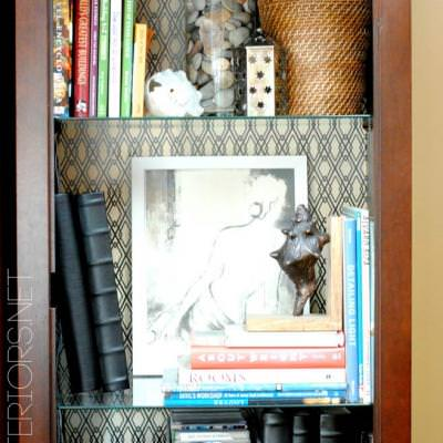 Five Dollars to Spice Up Your Bookcase {Bookcases}