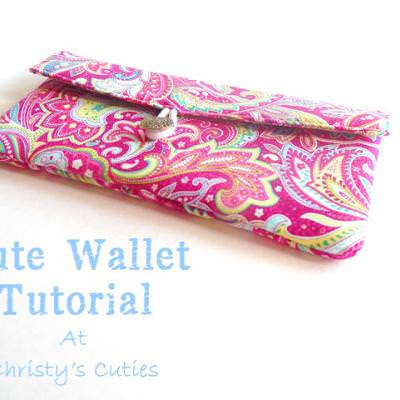 Functional Fabulous Fabric Wallet Tutorial {Accessories}