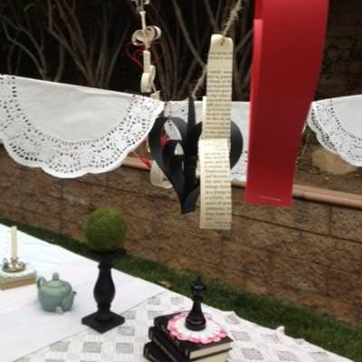 How to Throw an Alice in Wonderland Themed Party {tea party}