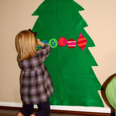 Kids Felt Christmas Tree {Christmas Crafts}