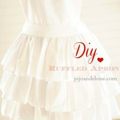 Lovely Heart Ruffled Apron {Aprons}