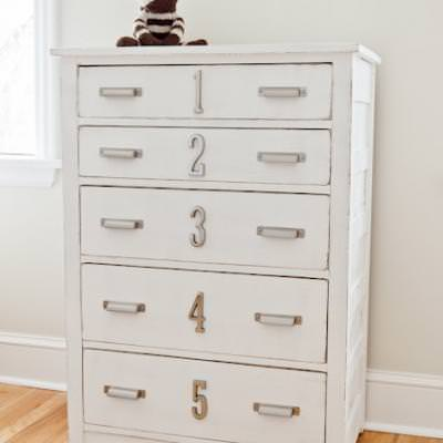 Numbered Dresser for Kids {Chests & Consols}