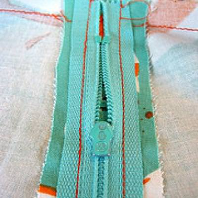 Sewing a Zipper Pep Talk {Zippers}
