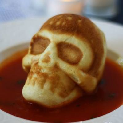 Skull Shaped Bread in Tomato Basil Soup {halloween meals}