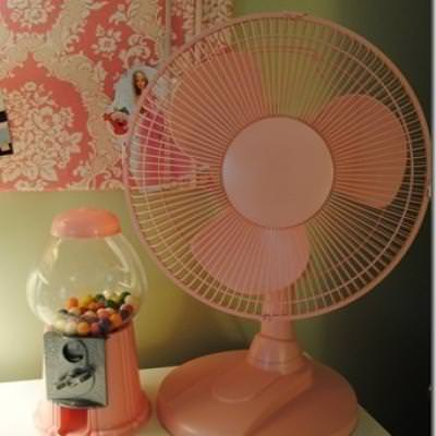 Spray Painted Fan {Summer Home Accessories}