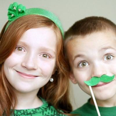 St. Patrick's Day Hair Accessories {St. Patrick's Day Crafts}