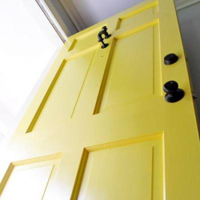Step-By-Step Instructions on Painting Your Front Door {Doors}