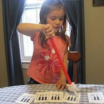 Teaching Piano to a Young Student {Music & Instruments}