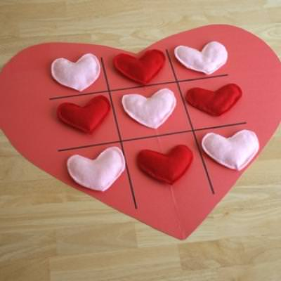 Valentines Tic Tac Toe Hearts {Valentines Games}