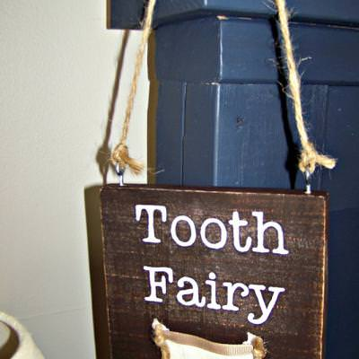 Wood and Twine Tooth Fairy Sign {Tooth Fairy}