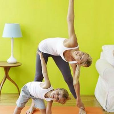 yoga to do with your kids exercise  tip junkie