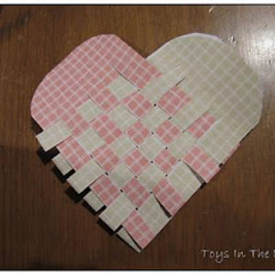 Woven Hearts {Valentine Paper Crafts}